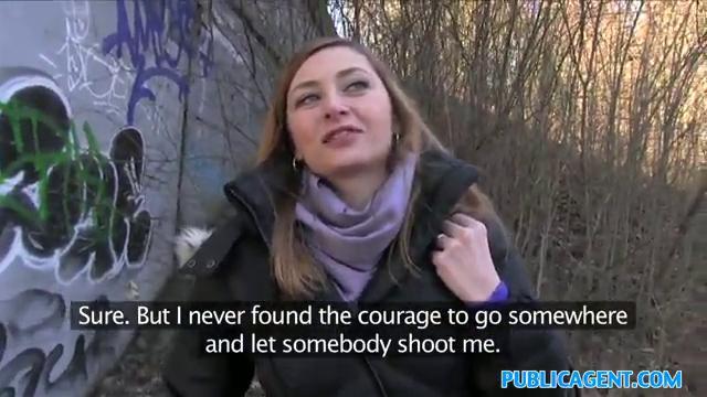 direktora-pri-pervoy-vstrechi-ulomal-devchonku-na-minet-uchat-porno-onlayn